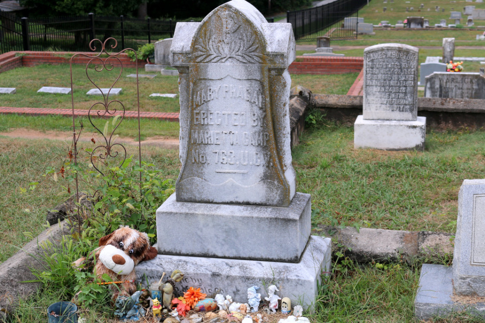 The grave of Mary Phagan in Marietta, Ga. (Photo by Todd DeFeo)